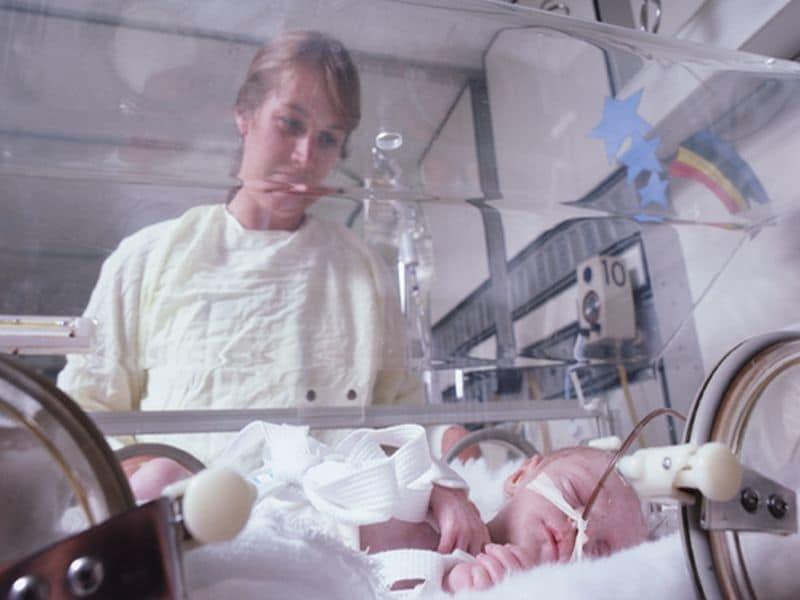 Opioide genaue ein anderes Maut auf Neugeborene: Kleinere Köpfe