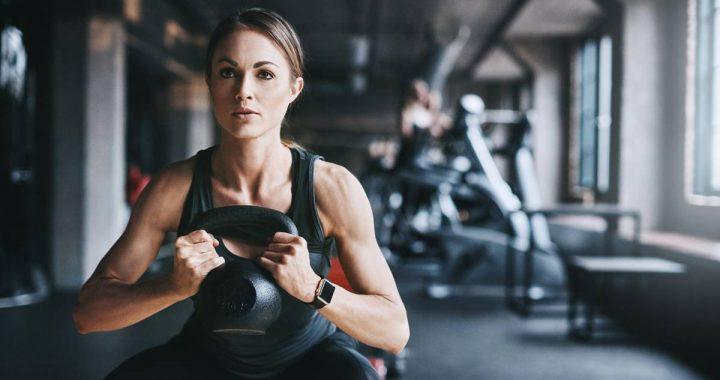 Diese drei Übungen im Fitnessstudio sind überbewertet – welche Sie stattdessen machen sollten