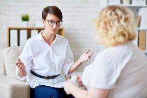 Was einen Psychologen von einem Psychiater unterscheidet