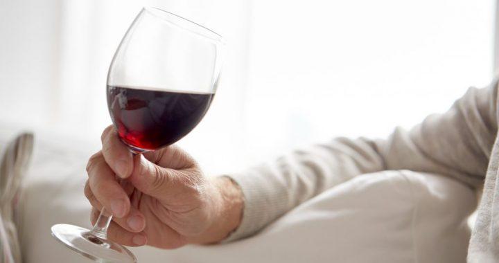 Alkohol und Rotwein als Auslöser von Migräne überbewertet