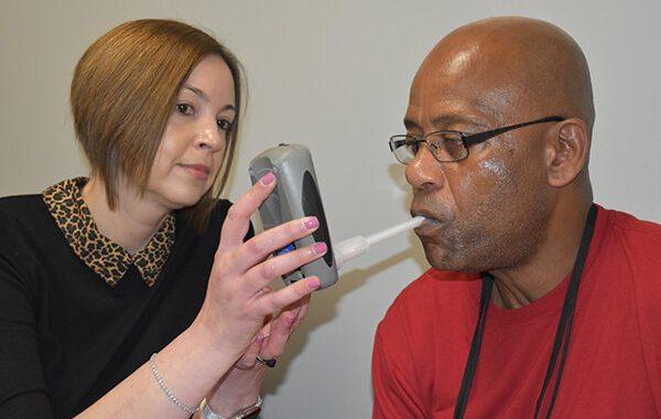 Diabetes-Medikament könnte helfen, Raucher treten die Gewohnheit,