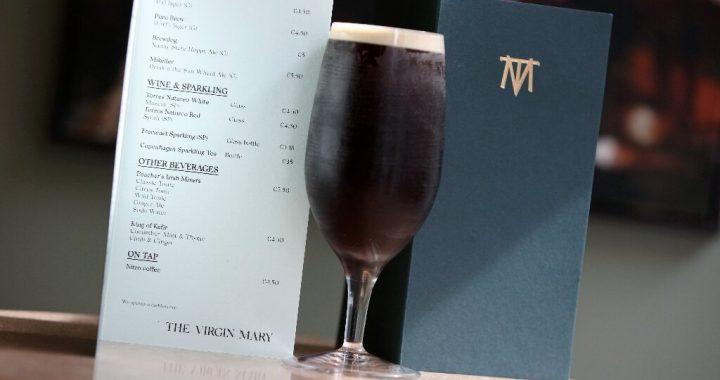 """In das land, Starkbier und Spirituosen, Irlands ersten """"trockenen pub'"""