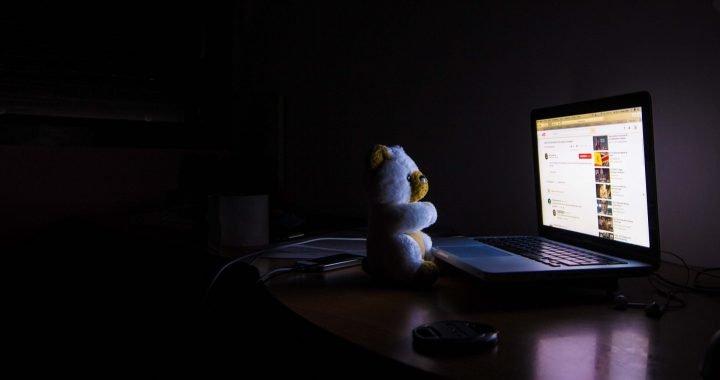 Nachtschwärmer können sich 'fortzubilden', die Ihre inneren Uhren zu verbessern das psychische Wohlbefinden und Leistung