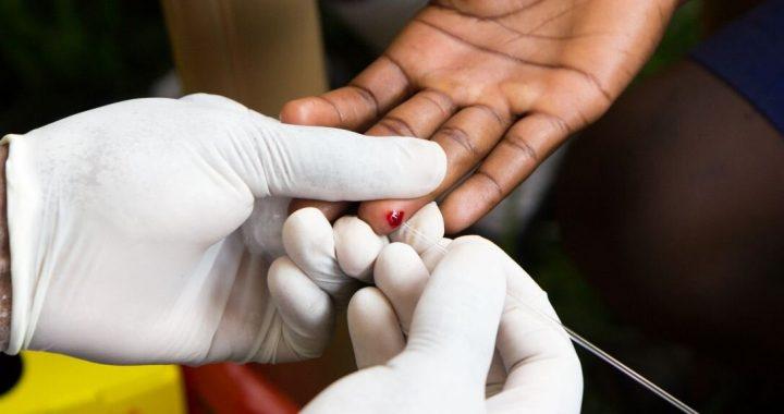 Bericht zielt darauf ab, STAPELN Sie die Chancen für die Jugendlichen, die mit HIV Leben