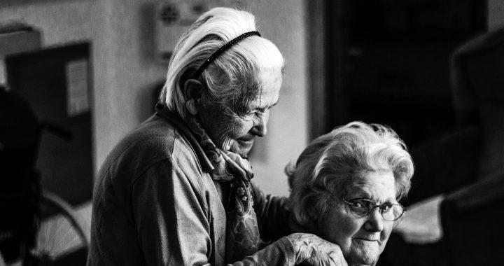 Mit einem bezahlten job kann helfen, abzuwehren Alzheimer-Krankheit bei Frauen