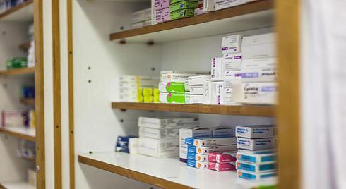 Ein Drittel der bereits genehmigten verschreibungspflichtigen Medikamente noch nicht abgeschlossen haben, die FDA-Zulassung Prozess