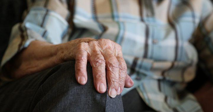 Ältere Menschen sollten überlegen, Wohn-Pflege vor einer gesundheitlichen Krise