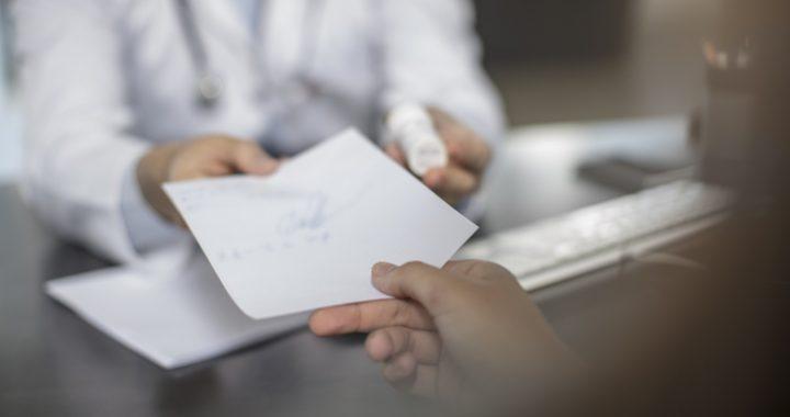 NHS in England, um vollständig zu digitalisieren Rezepte in Versprechen zu speichern £300 in den nächsten drei Jahren