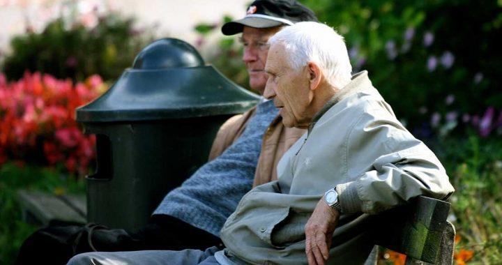 Lebensdauer Auswirkungen von Armut nehmen Maut im Alter