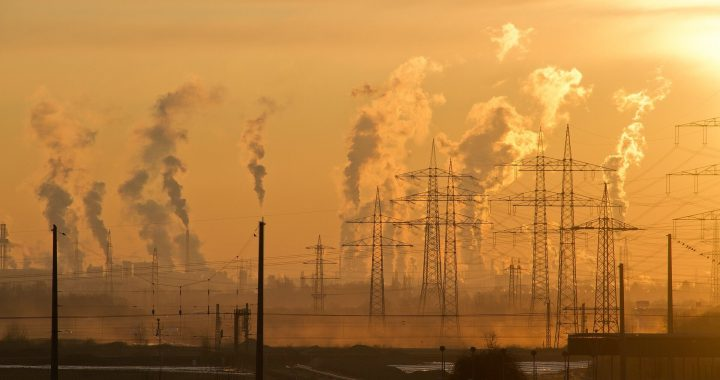 Die Exposition gegenüber PM 2,5 Luftverschmutzung verbunden mit Gehirn-Atrophie, Speicher Rückgang