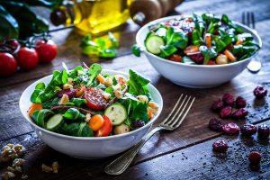 Salate im Check: Welche Sorte am gesündesten ist – und warum 3 Dinge ihn zerstören