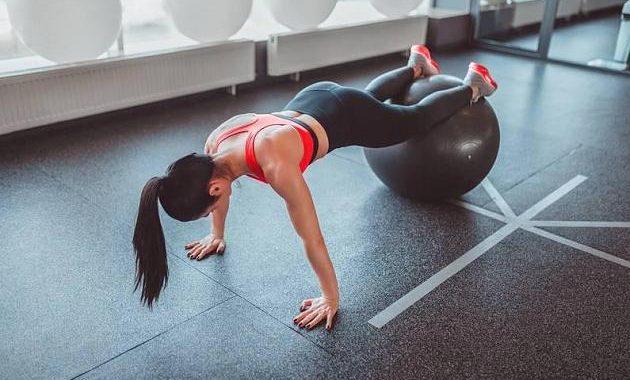 Tschüss, Problemzonen!: MadFits 10 Minuten-Workout für Bauch und Po