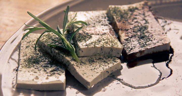 Isoflavone in tofu und pflanzlichen Proteinen, in Verbindung mit einem niedrigeren Herzinfarktrisiko