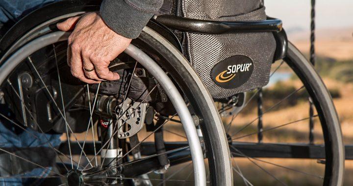 Gerät, das tracks, die Lage der Pflegekräfte re-purposed aufnehmen Mobilität der Patienten