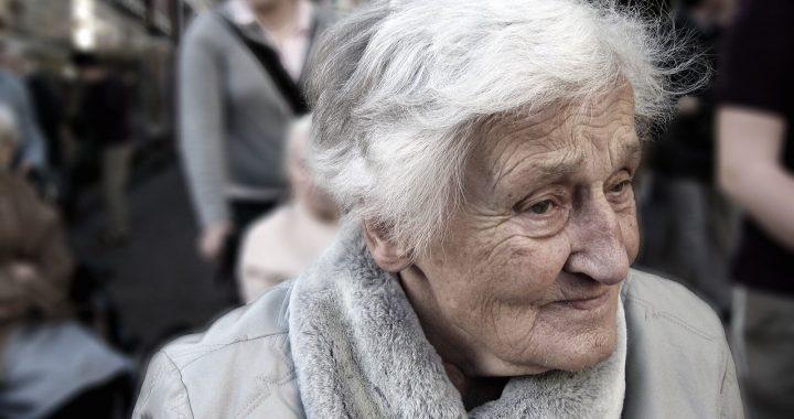 Die Auswirkungen der COVID-19 auf ältere Erwachsene