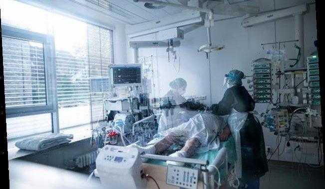 """""""Zum Ersticken nach Hause geschickt"""": Ärzte berichten von Triage in Österreich"""