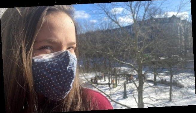 Zwei Masken übereinander schützen besser