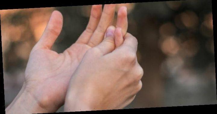 Fingerkribbeln in der Nacht: Anzeichen für ein Karpaltunnelsyndrom? – Heilpraxis