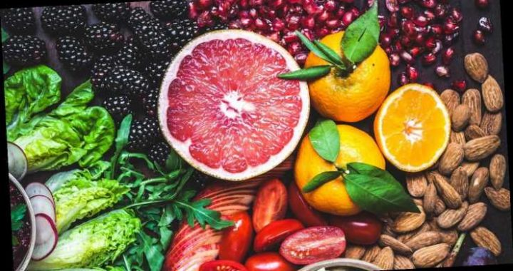 Ernährung im Sommer: Diese Lebensmittel entlasten den Körper