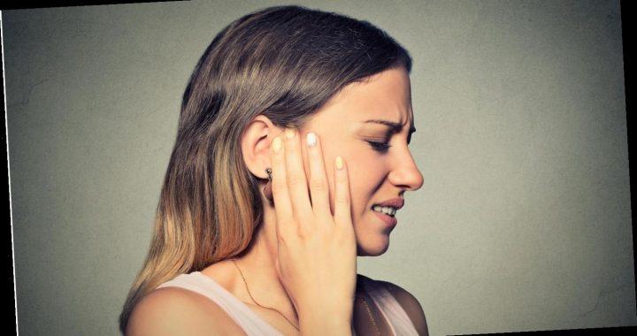 """Frau lässt sich die Ohren durchspülen – dabei kommt ein 22 Jahre altes """"Röhrchen"""" zum Vorschein"""